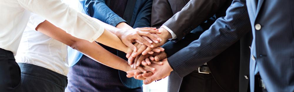 Wie-Sie-die-Bindung-Ihrer-Mitarbeiter-erhoehen
